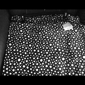 Black and white circle print skirt